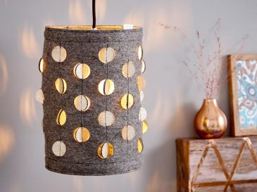 Lampe-aus-Filz-mit-Dots-Gold