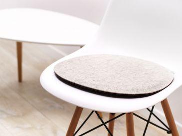 Sitzkissen-aus-Filz-Eames-Chair