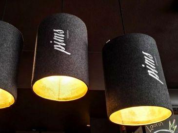 Lampen-aus-Filz-Theke-Bar-Pims