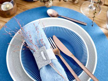 Tischset-Serviettenring-blau-Natur