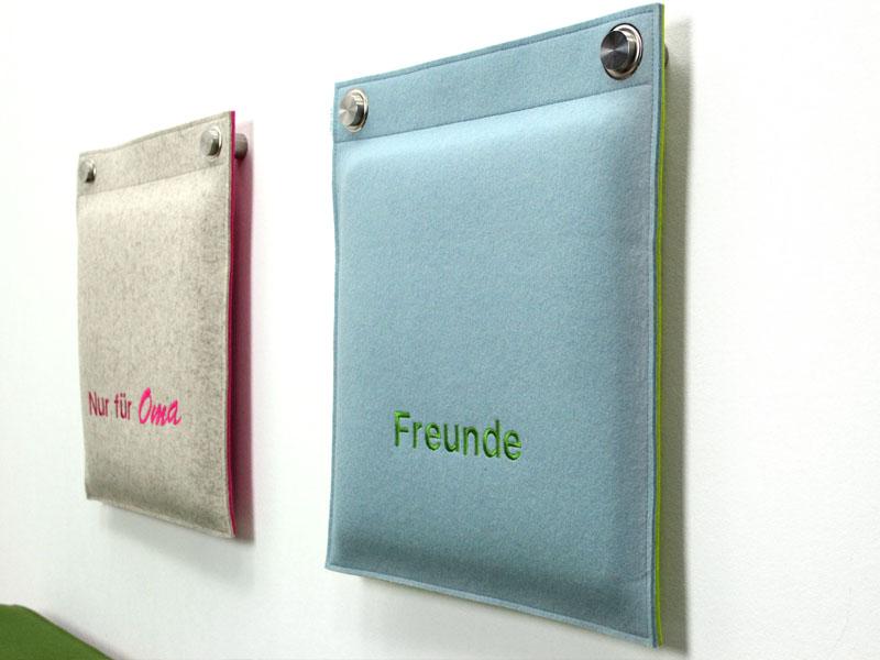 wandkissen wandkissen gepolstert aus wollfilz bestickt mit wunschtext. Black Bedroom Furniture Sets. Home Design Ideas