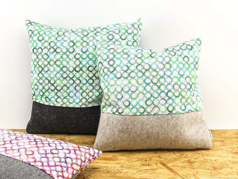 sofakissen sofakissen aus filz mit stoff dots in gr n. Black Bedroom Furniture Sets. Home Design Ideas