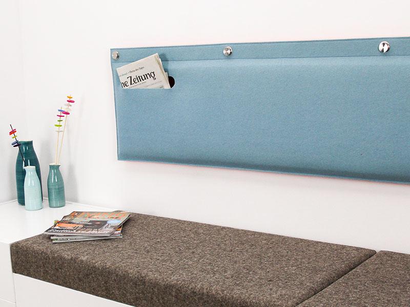 wandkissen ma gefertigtes wandkissen mit tasche aus filz. Black Bedroom Furniture Sets. Home Design Ideas