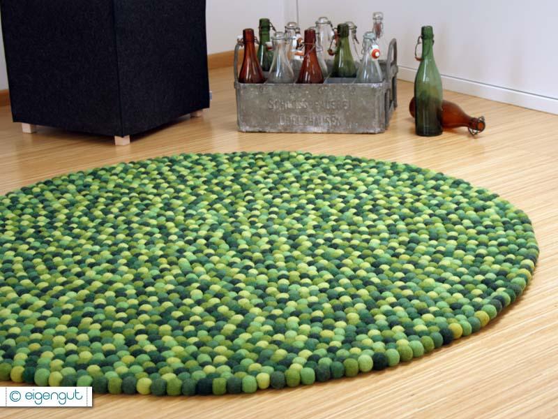 Teppiche  Filzteppich aus hunderten Filzkugeln GRÜNTÖNE