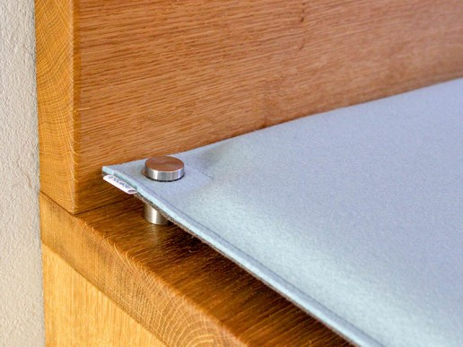 neues aus der werkstatt bankauflage nach ma aus filz mit sen zur befestigung. Black Bedroom Furniture Sets. Home Design Ideas