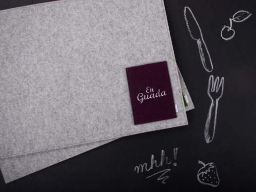 gedeckter tisch tischset aus filz en guada. Black Bedroom Furniture Sets. Home Design Ideas